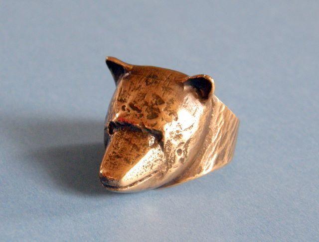 Eila Minkkinen, ~Bear bronze ring.   Artisaani.fi