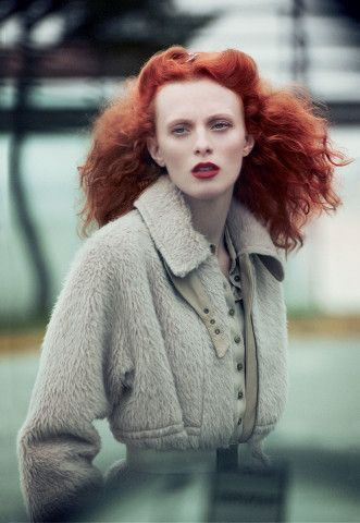 British beauties we're celebrating during London Fashion Week—Karen Elson