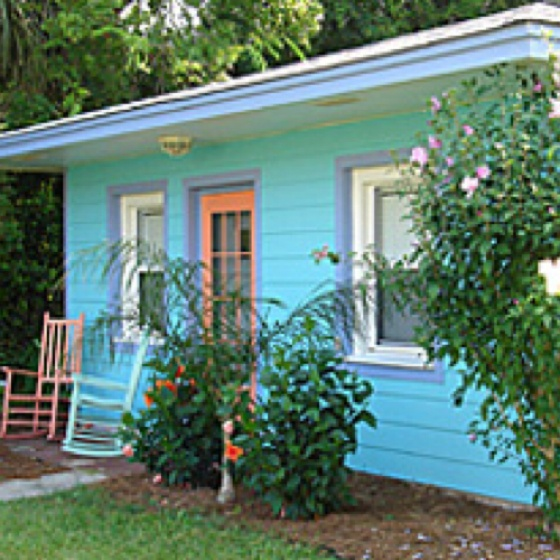 My tybee blue cottage on tybee island covered ping pong for Compact cottages georgia