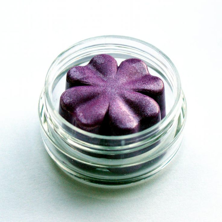 How to Make Cream Eyeshadow - DIY Natural Handmade Mineral Cream Eyeshadow Recipe in Violet Shimmer
