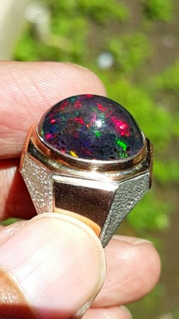 Natural Black Opal. Source: Banten Indonesia. Ring: Gold with Silver.