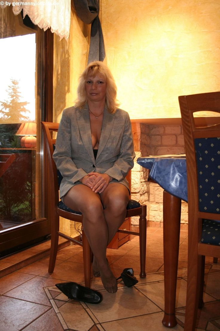 Free mature pantyhose video