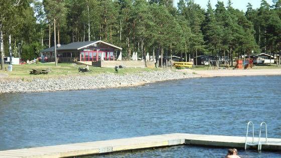 Mörudden Resort är fyrstjärnig och ligger vid Vänern, 9 km söder om Karlstad. Hammarö är en idyllisk ö med omväxlande klipp- och sandstränder. Här finns fina strövområden med tillfällen till promenader och motion.: