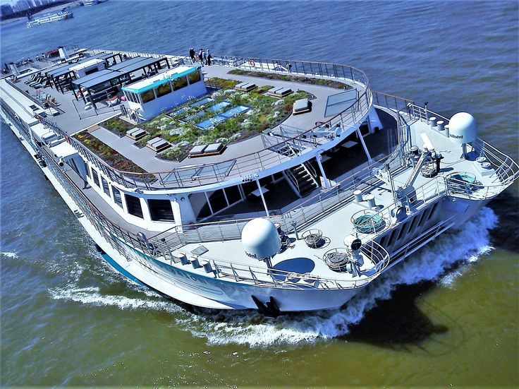 big ship_Kuci Budapest