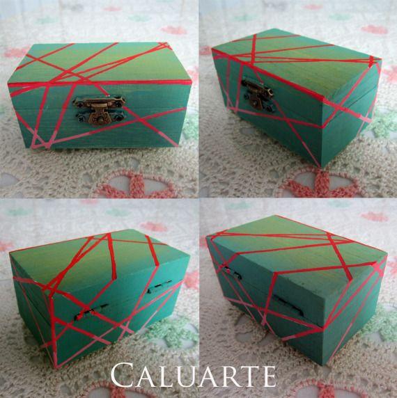 Cajita de madera pintada a mano / Caluarte - Artesanio