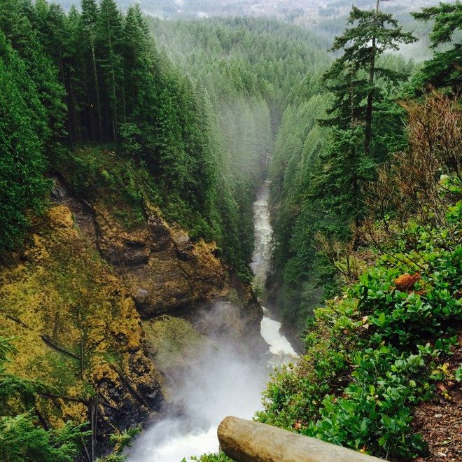 Wallace Falls Hike in the Central Cascades near Seattle and Bellevue, Washington.