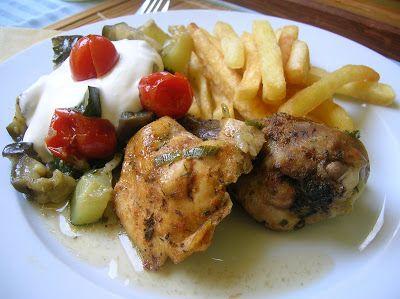 Receptelő: Cserépedényben sült csirke zöldségágyon