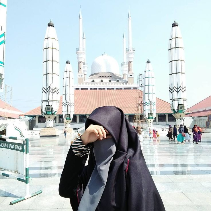 "3,204 Likes, 5 Comments - Muslimah in Hijab (@muslimahindonesiaid) on Instagram: ""Wahai ukhty... Janganlah merasa bangga jika kau menjadi rebutan para lelaki.  Cukuplah... Merasa…"""