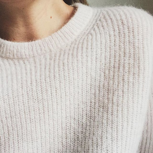 For cozy Sundays: this super soft jumper in a wool/alpaca blend just landed in stores & online. Available in soft pink & light grey. Shop it at filippa-k.com #filippak #newarrivals