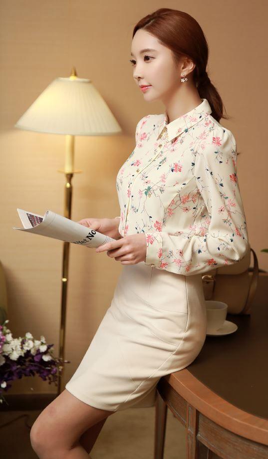 StyleOnme_Feminine Floral Blouse  #floral #feminine #blouse #flowery #louisangel