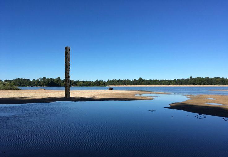 Alban LANORE - Projet - Totem monumental en bord de Loire. (photo S.Augereau)