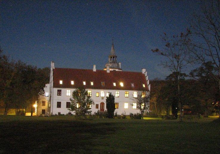 Rydhave,Slot, nu efterskole, ved  Vinderup