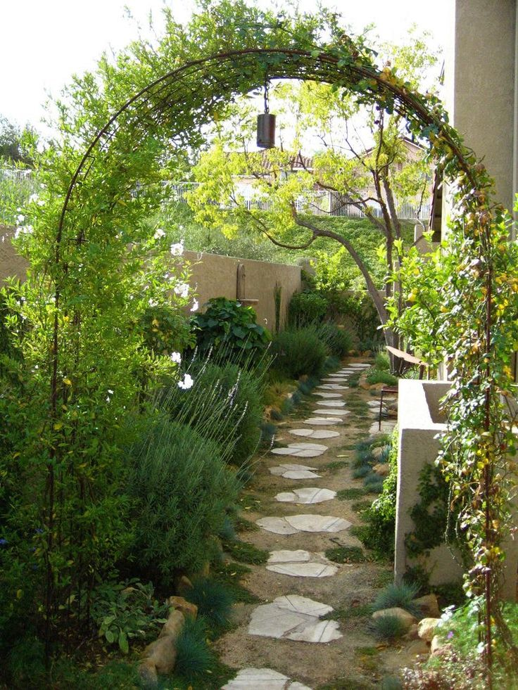 Contemporary arbor landscape mediterranean with wasted space permeable paving permeable paving