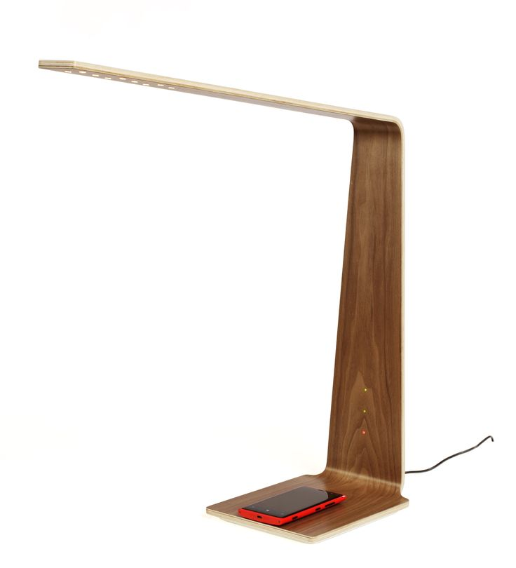 Charge you mobile wirelessly on Tunto Led8 desk lamp