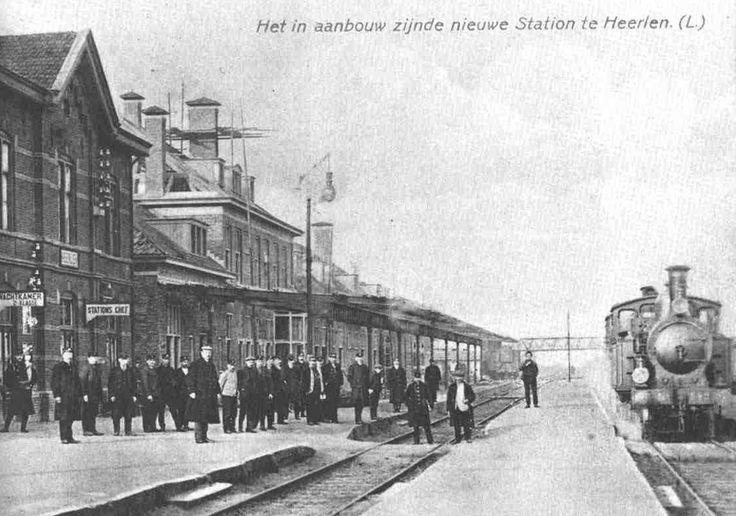 Stationsgebouw Heerlen in aanbouw (1912). Verdubbeling van het spoor naar Sittard. Ger Prickaerts