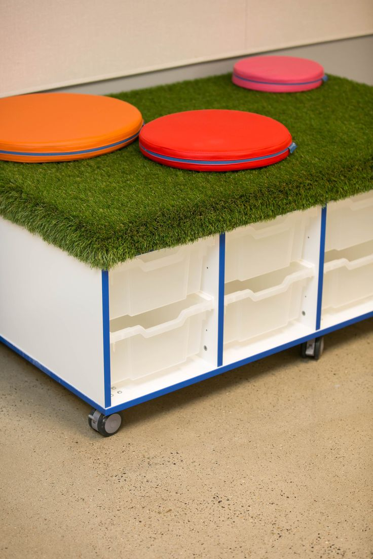 A space for storage and sitting. Maximise your classroom space with NorvaNivel Storage Units. Seatpads and Island Matts on top!