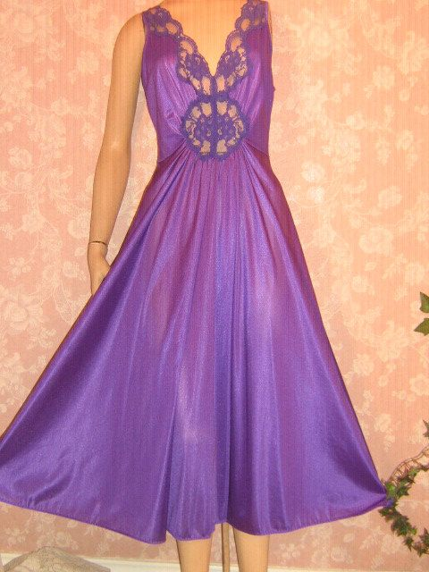 Vintage Nightgown Bodyhug Full Sweep Lace inset S M  by WeeBitUsed, $69.00