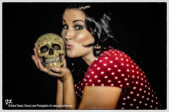'Strange Attraction' by © Diane Tisseur, Groovy Lens, via Flickr -- www.groovylens.com - Portrait - Skull - Kiss - Retro - Pin-up - Photography - Pose