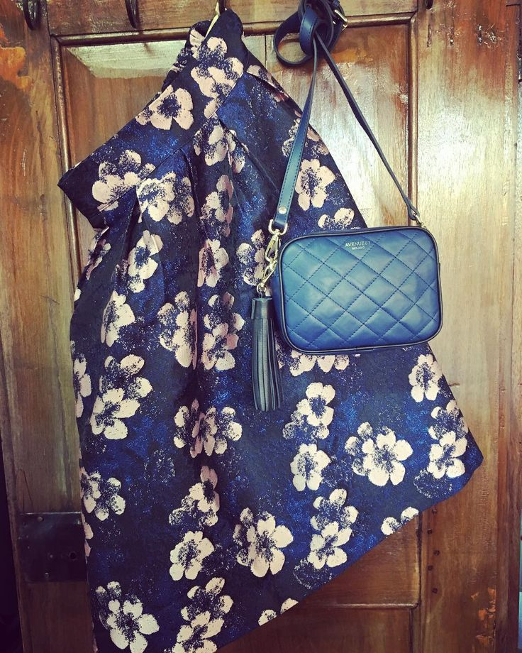 ..niente è più necessario del superfluo...#oscarwilde #picoftheday #alori1961 #skirt #flowers #blue #bonsui #bag #avenue67 #bonbon #madeinitaly #eleganceisanattitude #instapic #instagood #instalike #shoppingonline #shippingworldwide #www.alori.it #contactus #info@alori.it #instamood #autumn #paris #london #milan #berlin #moscow #instadaily #