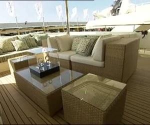 Lusso senza banalità nel nuovo yacht CRN43 Hana firmato da Ferretti Group. http://www.nuvolari.tv/recensioni--/anthana43newflv