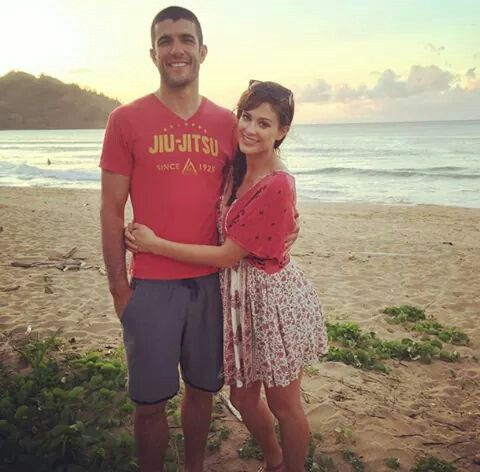 Eva Torres is pregnant and found out today she's having a boy. Congratulations to Eve and her husband Rener Gracie.