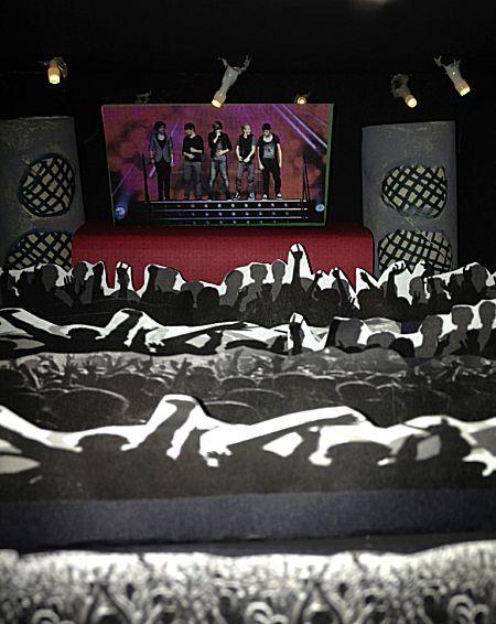 De surprise voor jonge meisjes. Een concert van hun favoriete boyband! Zoals hier: one direction in concert!