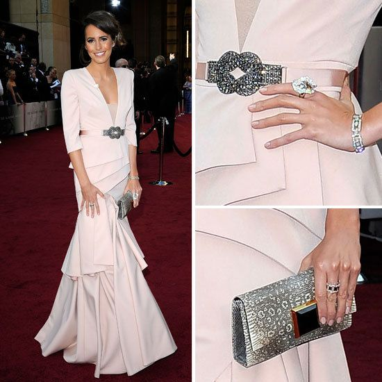 Best dressed at the Oscars. Love this dress & accessories