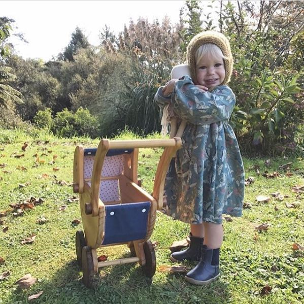 The BellBird Dress comes in a modern PDF sewing pattern for girls $10 it is a sweet vintage style dress with bell sleeves and elastic wrist. Childrens sizes 1-8 || You can make this with or without sleeves, and includes a stunning embroidery pattern and tutorial for free!