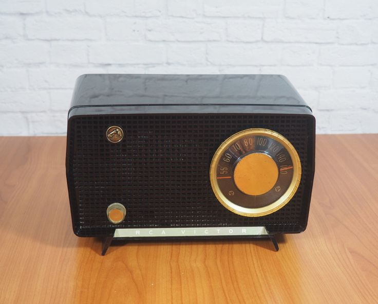 1956 RCA Victor 6-x-7 Nipper AM Tabletop Tube Radio WORKS  / Black Plastic Case with Gold Trim / Midcentury Modern by FireflyVintageHome on Etsy