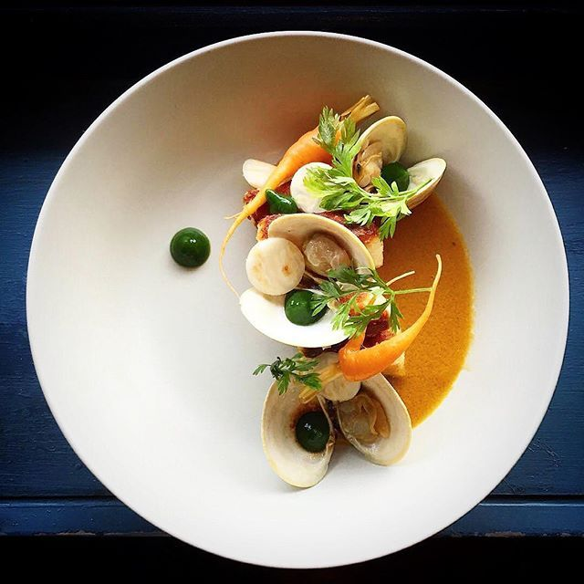 Crispy potato gnocchi, clams, shrimp bisque, fancy pants garnish - by @betterhalfcook ⭐️ join our Cookniche culinary network and share your culinary work with the world. Direct link in bio.