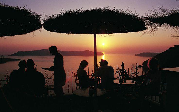 Nyd smukke solnedgange på Santorini. Se mere på www.apollorejser.dk/rejser/europa/graekenland/santorini