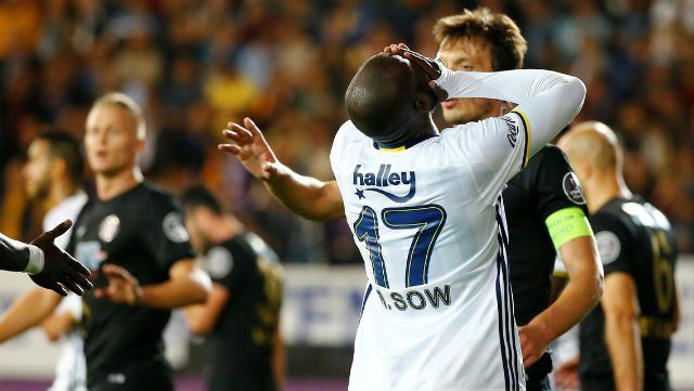 Süper Lig'in 6. hafta karşılaşmasında deplasmanda Osmanlıspor ile mücadele eden Fenerbahçe 1-1'lik skorla 1 puan aldı.