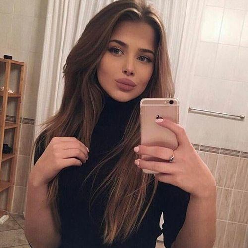Imagem de beauty, girl, and iphone