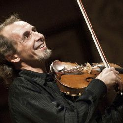 Der französische Geiger Gilles Apap eröffnet das 25. Sächsische Mozartfest am 13. Mai in der Kreuzkirche Chemnitz. Auf dem Programm stehen Werke von Mozart und Haydn. http://mozart-sachsen.de/termine/eroeffnungskonzert/