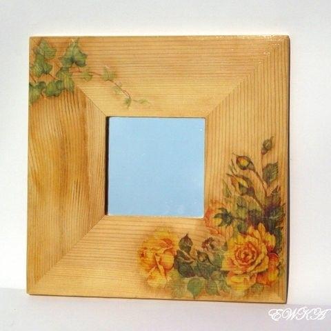 Lusterko w drewniw z różami - Decoupage - Dekoracje wnętrz