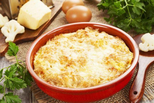 A hosszú, fárasztó nap után jól jön a könnyen elkészíthető, ízletes rakott karfiol.