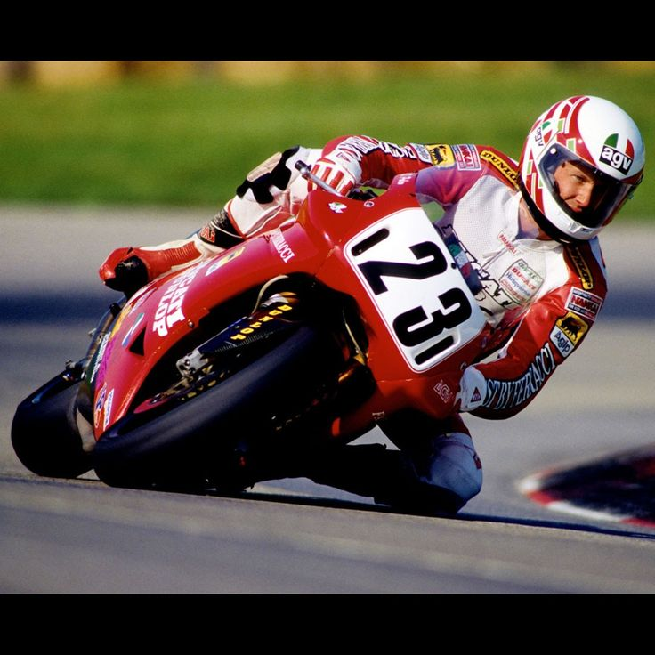 11 August 1991: Doug Polen wins in both races at the Anderstorp Superbike World Championship. The American triumphed with a Ducati 888: where there's Ducati there's Brembo #Ducati #Ducati888 #Polen #Superbike #SuperbikeUsa
