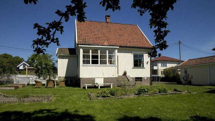 Da energirådgiveren kjøpte et hus fra 1935, valgte han fuglekvitter og vedfyring fremfor etterisolering og balansert ventilasjon.