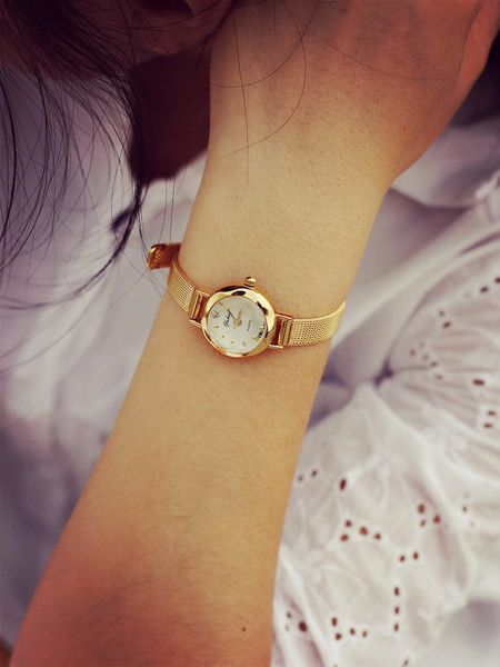 - Elegant beautiful simple gold watch for the stylish fashionista - Trendy design offers a unique stylish look - Great for the workplace or casual outings - Made from high quality material