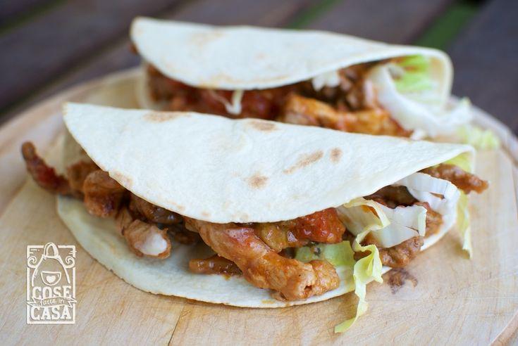 Sfogliando il mio ricettario preferito mi è venuta voglia di taco messicani! Li ho preparati seguendo i miei gusti (in parte con gli ingredienti che avevo in casa) e sono venuti veramente ottimi! Vi propongo questa ricetta molto semplice ma con la quale otterrete un piatto ricco e saporito da gustare in compagnia! Save Print...Leggi tutto »
