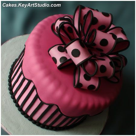 Pink and black stripes and dots cake!: Cakes Ideas, Bows Cakes, Pink Cakes, Bow Cakes, Pink Cupcakes, Black Stripes, Birthday Cakes, Dots Cakes, Fondant Cupcakes