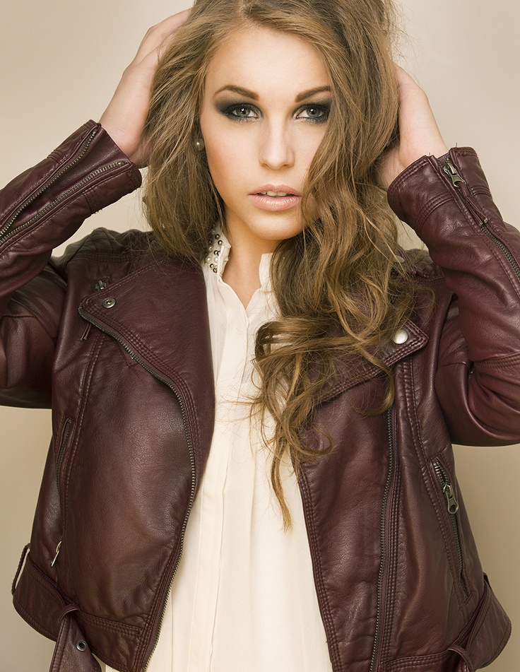 Hair/makeup/styling : Emilie E. Larsen Photo: Stian Gregersen: Modell: Emilie Holene    #beauty #fashion