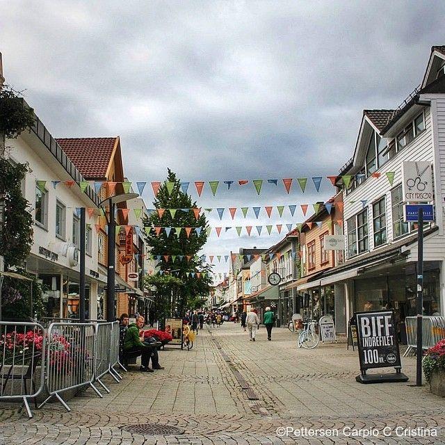 The coziest most charming street in Sandnes, Langgata. #RegionStavanger