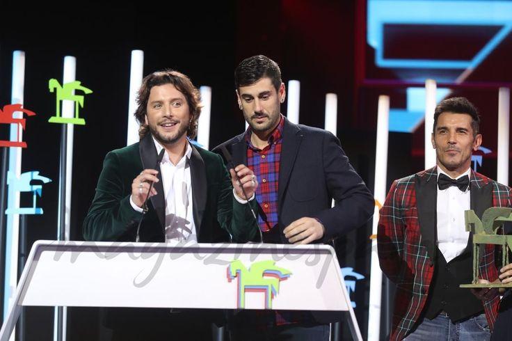 """Manuel Carrasco, Melendi y Jesús Vázquez premiados por """"La Voz"""" - Premios Ondas 2016"""