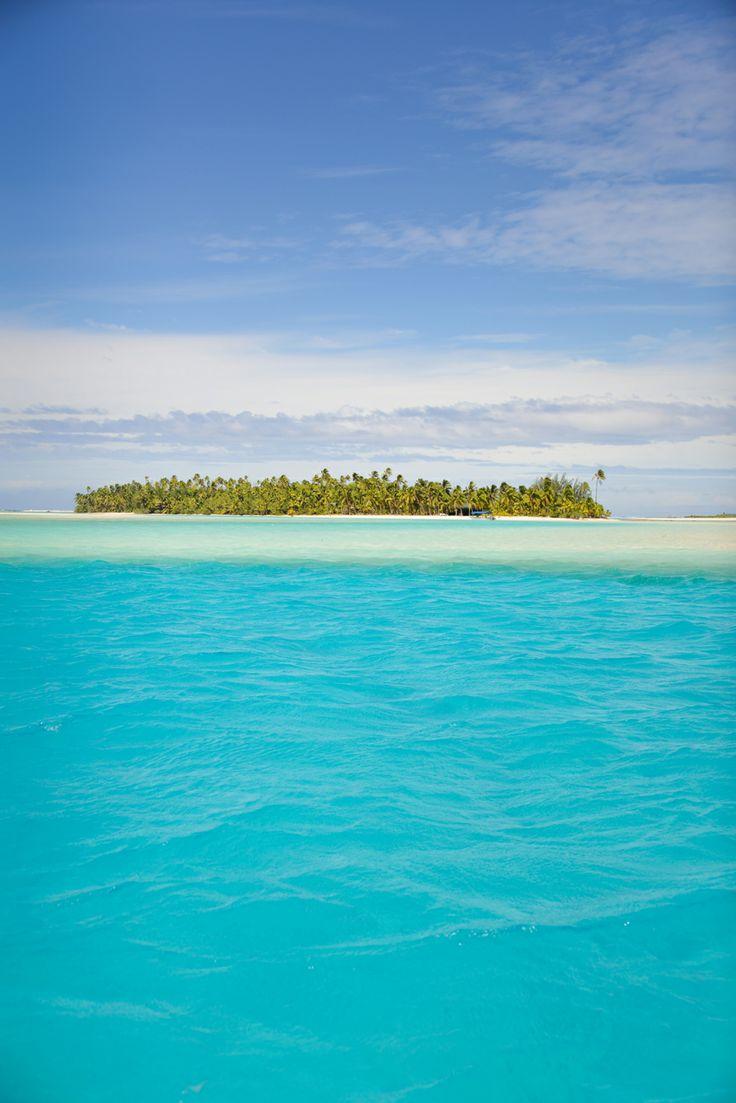 One Foot Island, Aitutaki, Cook Islands.  Photographer Lisa Michele Burns