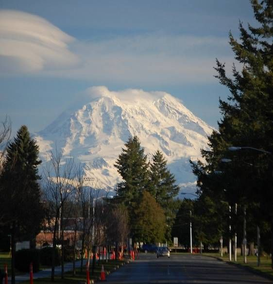 Image of Mount Rainer from Ft. Lewis...oh this takes me back to my second home! Love love love western Washington state!