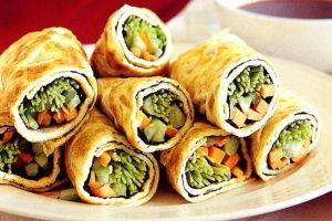 Egg and nori rolls