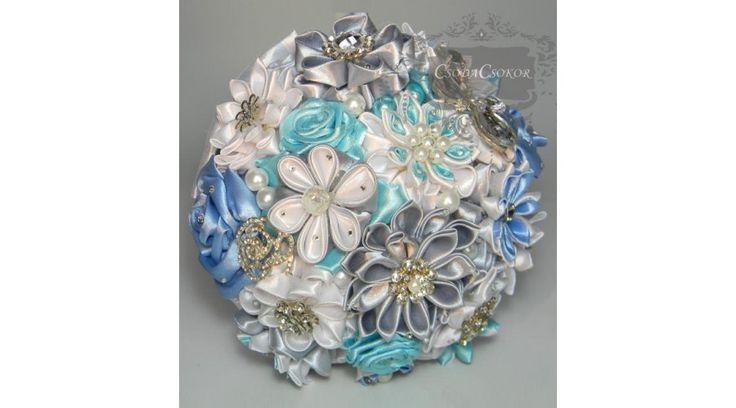 Kék-szürke kanzashi csokor - Alapcsokor III. - Kanzashi virágok - CsodaCsokor