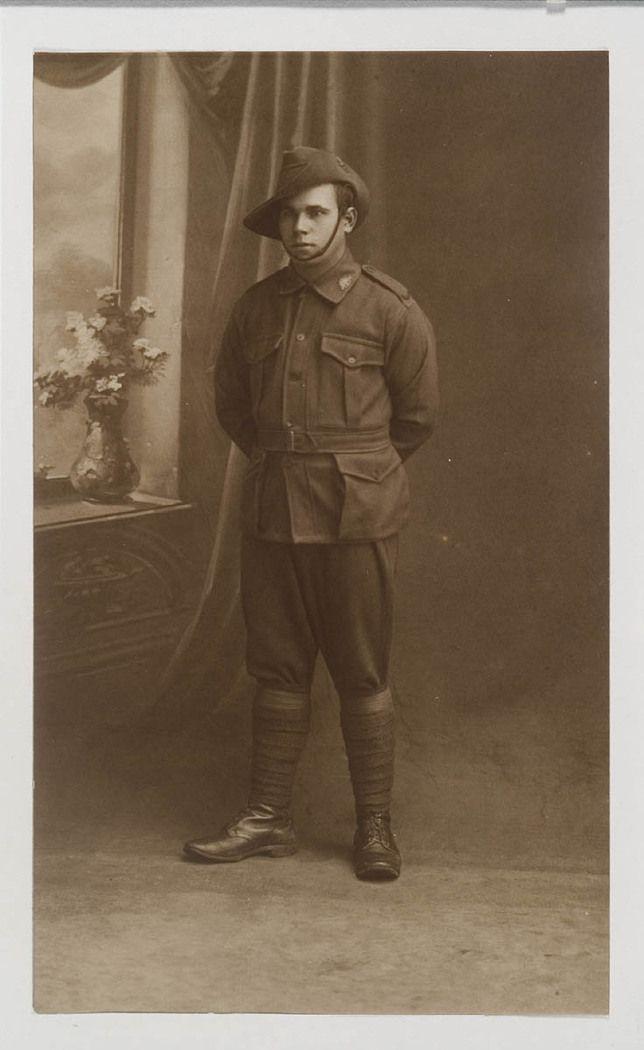 NSW servicemen portraits, 1918-19 - Leslie John Locke