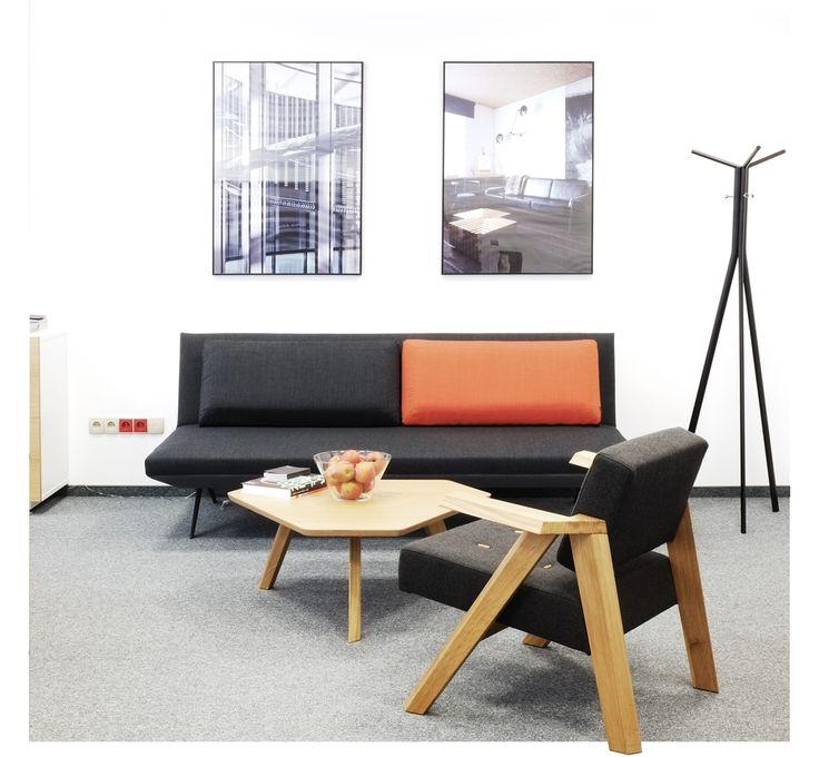 Fotel Clapp marki Noti to niesamowity projekt, dla którego inspiracją była konstrukcja foteli z lat 60-tych. Znajdź więcej na: www. euforma.pl #fotel #noti #clapp #polishdesign #livingroom #armchair #home